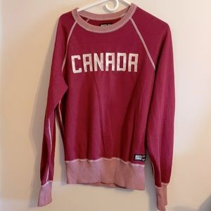 NWOT Roots Canada sweatshirt w/ embroidery Rare!